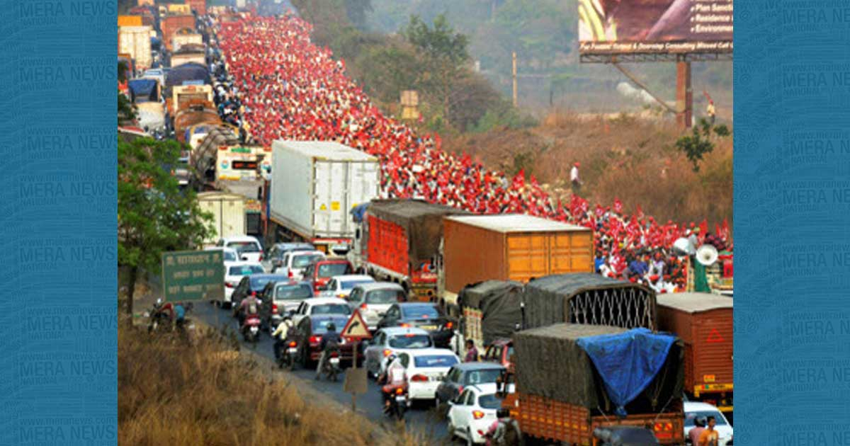 http://www.meranews.com/backend/main_imgs/किसानोंकामहा-मोर्चाः_mharashtra-30-thousand-farmers-reached-mumbai-azad-maidan_0.jpg?36