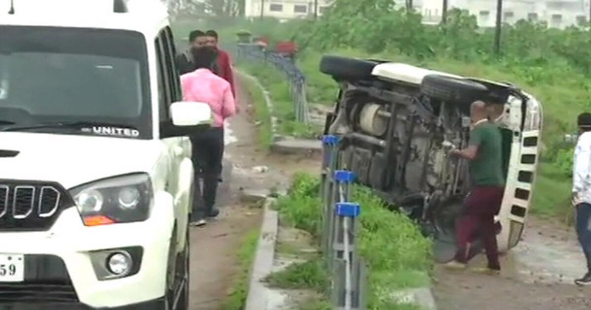 http://www.meranews.com/backend/main_imgs/107732063_2657343197813684_6320019311770999415_n_vikas-dubey-up-police-vikas-dubey-encounter-vikas-dubey-died_1.jpg?78
