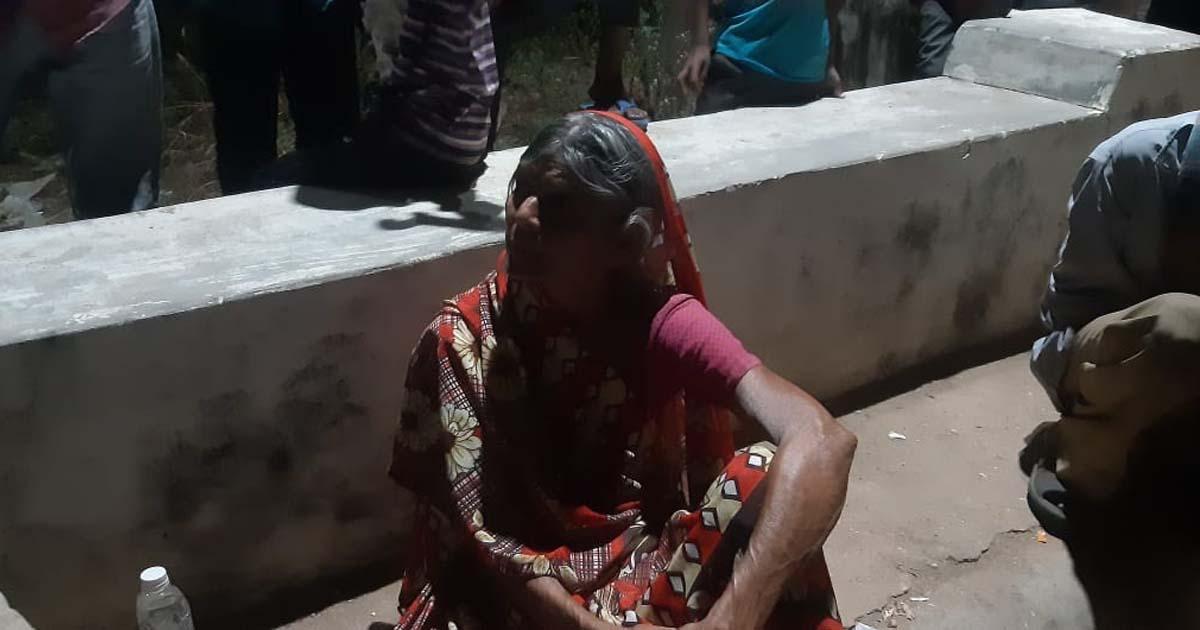 http://www.meranews.com/backend/main_imgs/1811_181-abhayam-helpline-modasa-vasad-dabhoi-helps-woman-wo_0.jpg?98