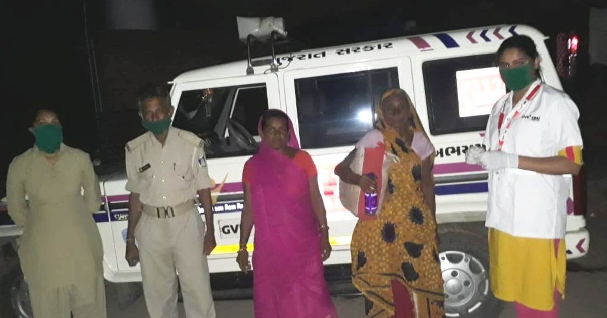 http://www.meranews.com/backend/main_imgs/181AbhayamTeamBayad_aravalli-bayad-missing-181-abhayam-team-mentally-disturbed-mother_0.jpg?88