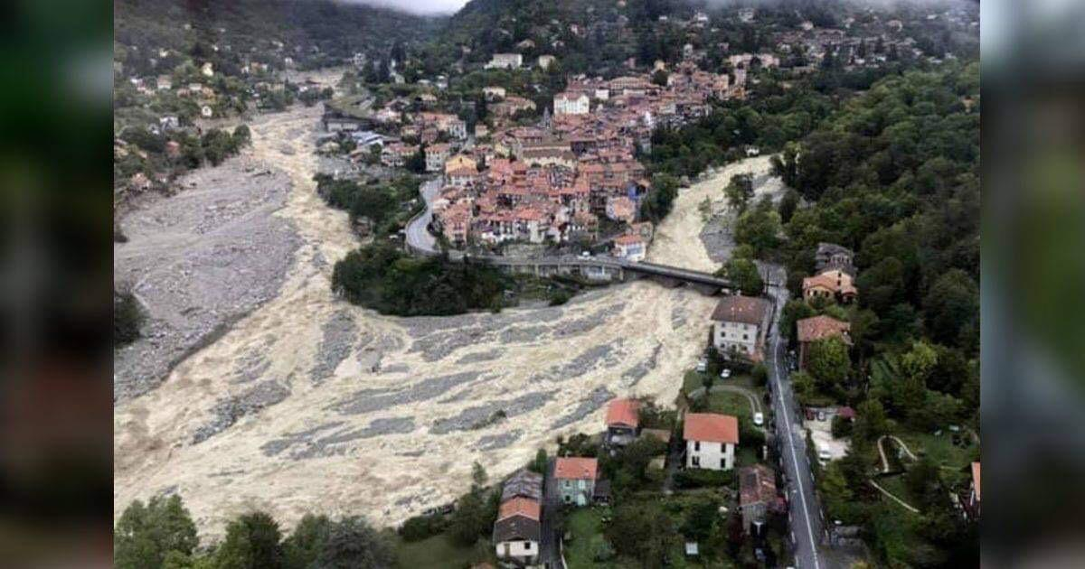 http://www.meranews.com/backend/main_imgs/1_deadly-floods-hit-france-italy-sweep-coffins-over-border_0.jpg?83