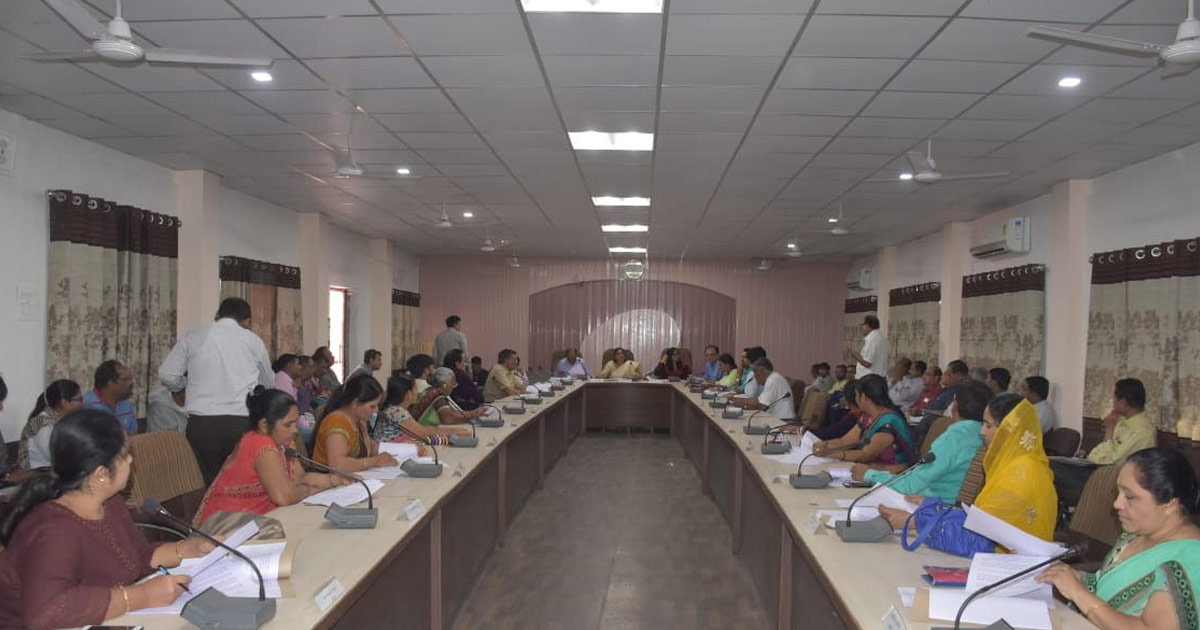 http://www.meranews.com/backend/main_imgs/1_jamnagar-district-panchayat-general-board-meeting_2.jpg?69