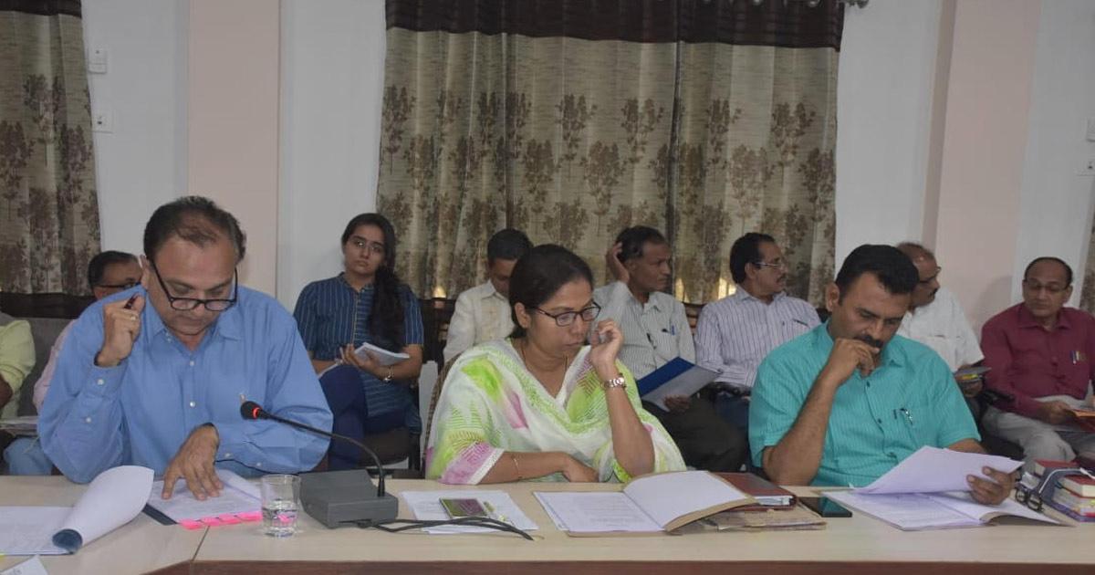 http://www.meranews.com/backend/main_imgs/5_jamnagar-district-panchayat-general-board-meeting_4.jpg?65