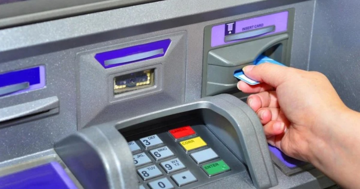 http://www.meranews.com/backend/main_imgs/ATMDemo_if-withdrawing-money-from-atm-is-above-5000-the-bank-will-charge-additional-fees_0.jpg?58