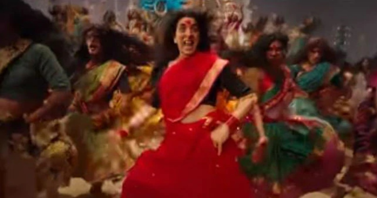 http://www.meranews.com/backend/main_imgs/AkshayKumarBamBholle_akshay-kumar-film-laxmii-song-bam-bholle-release-actor-dance-in-transgender-style_1.jpg?56