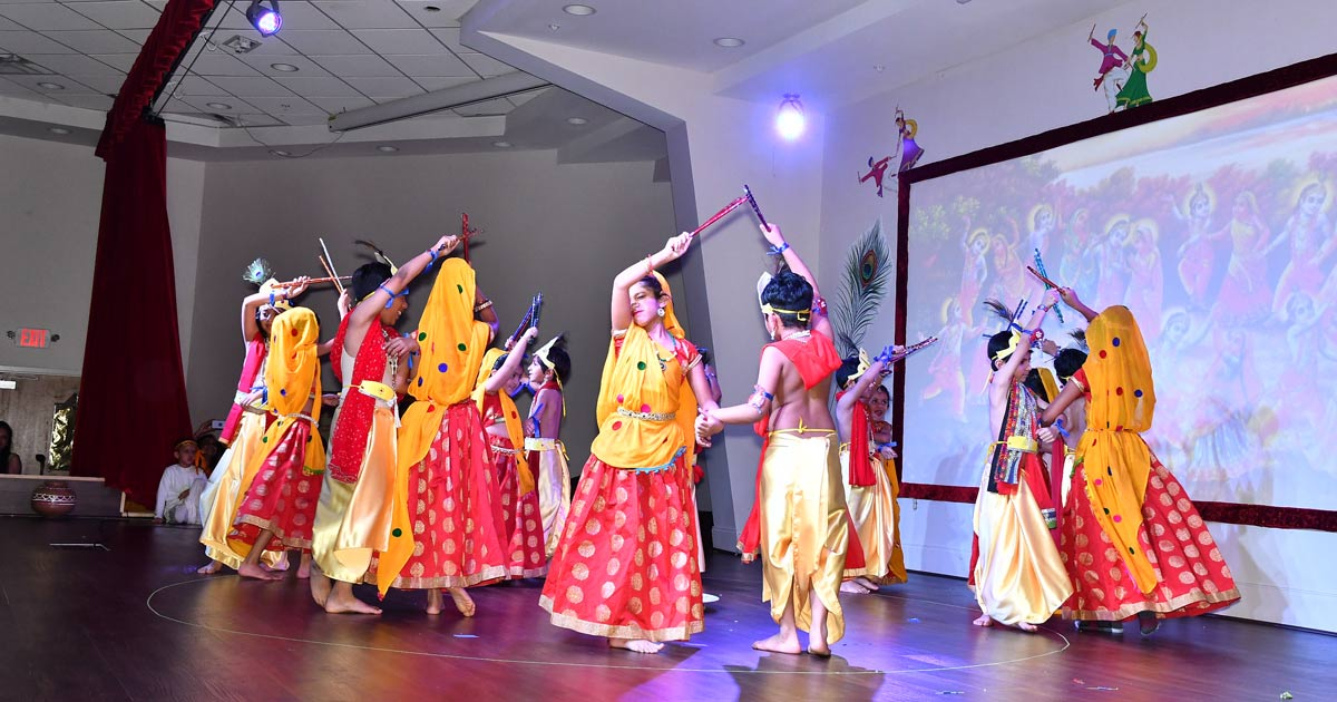 http://www.meranews.com/backend/main_imgs/Atlanta0_namaste-2020-culturel-program-at-atlanta-gokuldham_2.jpg?26