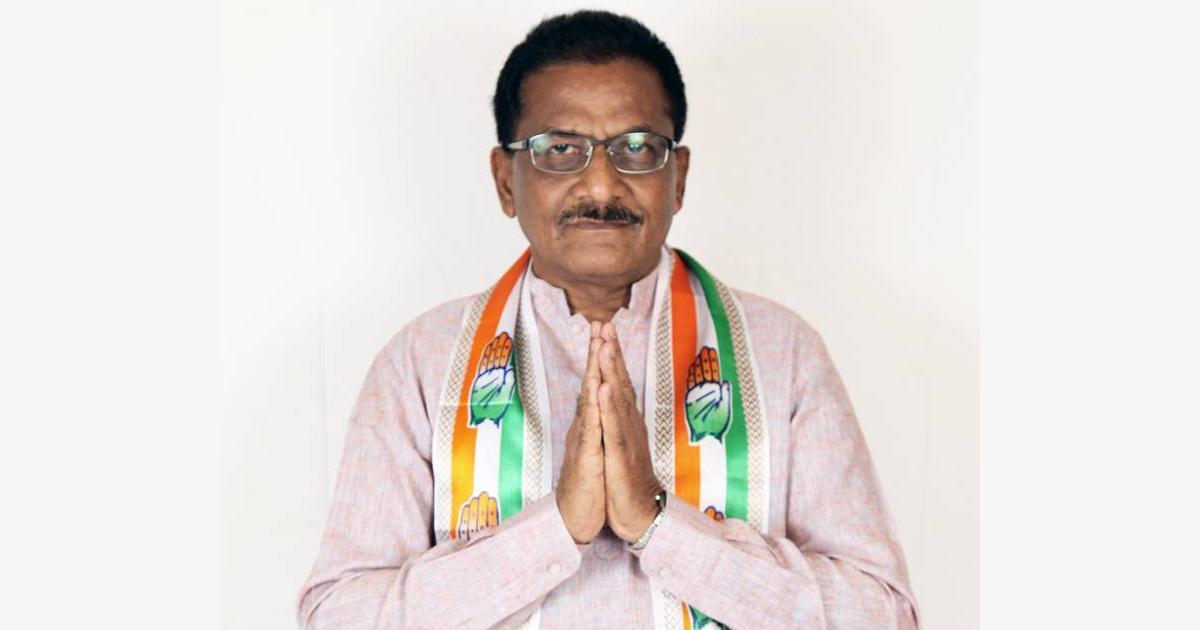 http://www.meranews.com/backend/main_imgs/BhagvanBarad_sutrapada-court-relieves-congress-mla-bhagvan-barad-and-unchanged-mla_0.jpg