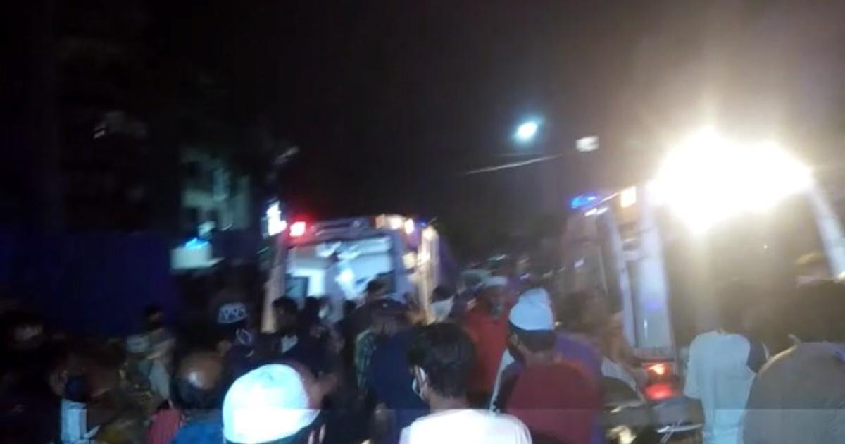 http://www.meranews.com/backend/main_imgs/BhavnagarCovidCenter_bhavnagar-hotel-covid-care-center-fire-corona-patients-fire-brigade-news_0.jpg?28