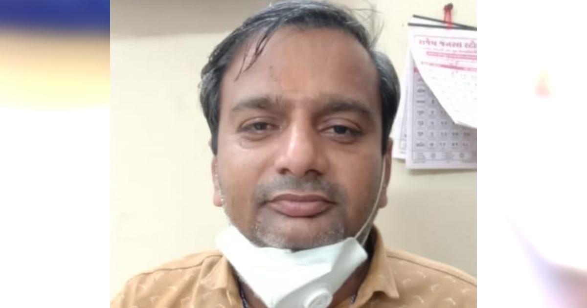 http://www.meranews.com/backend/main_imgs/BribeTalati_aravalli-acb-gujarat-bribe-case-talati-acb-trap-gujarat-police_0.jpg?54