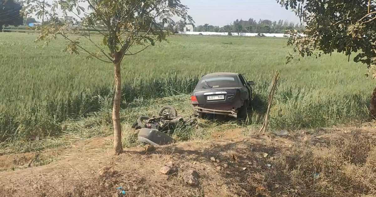 http://www.meranews.com/backend/main_imgs/Carbikeaccidentinfarm_modasa-aravalli-car-bike-accident-road-accident-traffic-rules-latest-news_0.jpg?7