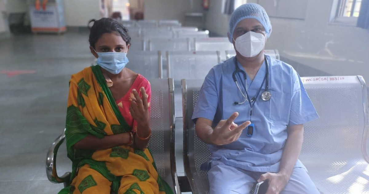 http://www.meranews.com/backend/main_imgs/DoctorTreatment_ahmedabad-civil-hospital-doctors-lungs-disease-covid-19-poor-woman-health_3.jpg?44