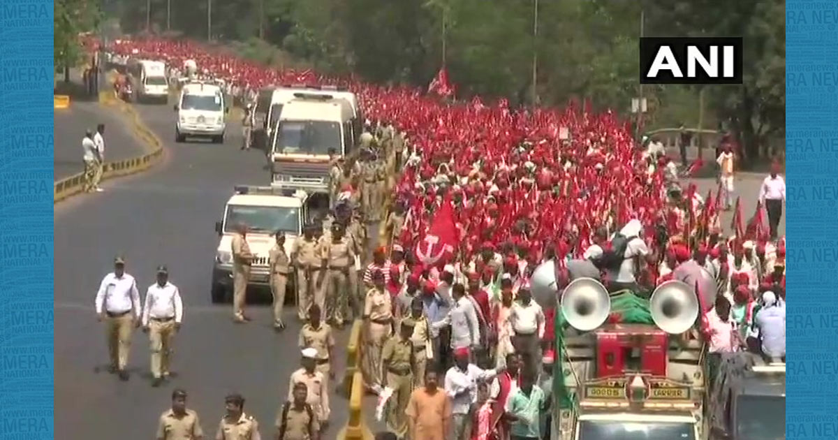 http://www.meranews.com/backend/main_imgs/Farmers_over-30000-farmers-marched-from-nashik-to-mumbai-demanding_0.jpg?35