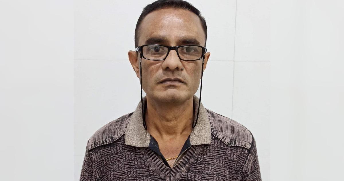 http://www.meranews.com/backend/main_imgs/GSTOfficerACBBribe_rajkot-acb-gujarat-gst-officer-bribe-case-latest-gujarati-news_0.jpg?26