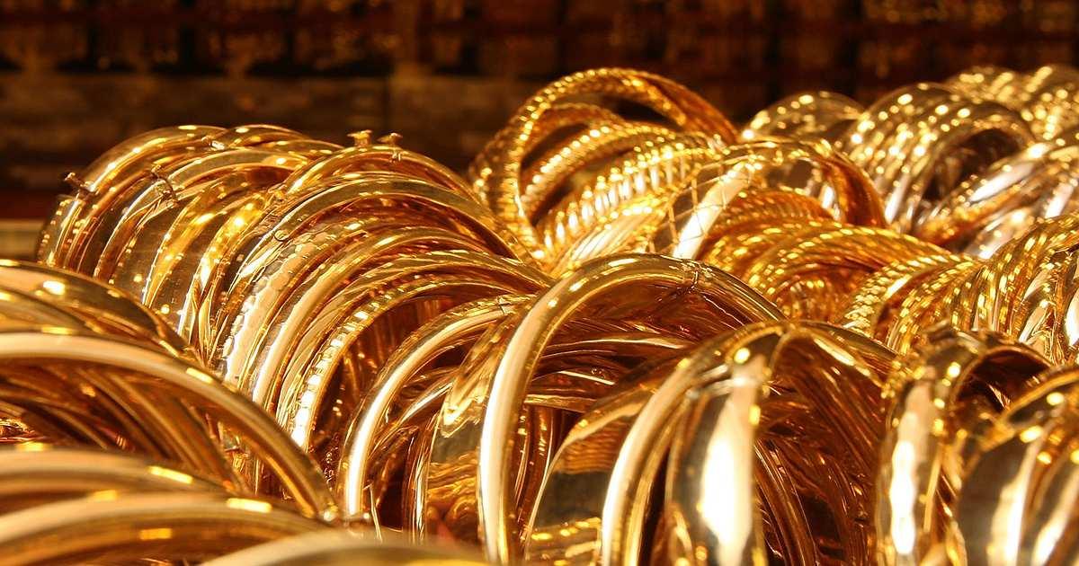 http://www.meranews.com/backend/main_imgs/Goldsell_gold-sell-hike-price-corona-pandemic-market-business-commodity-news_0.jpg?82