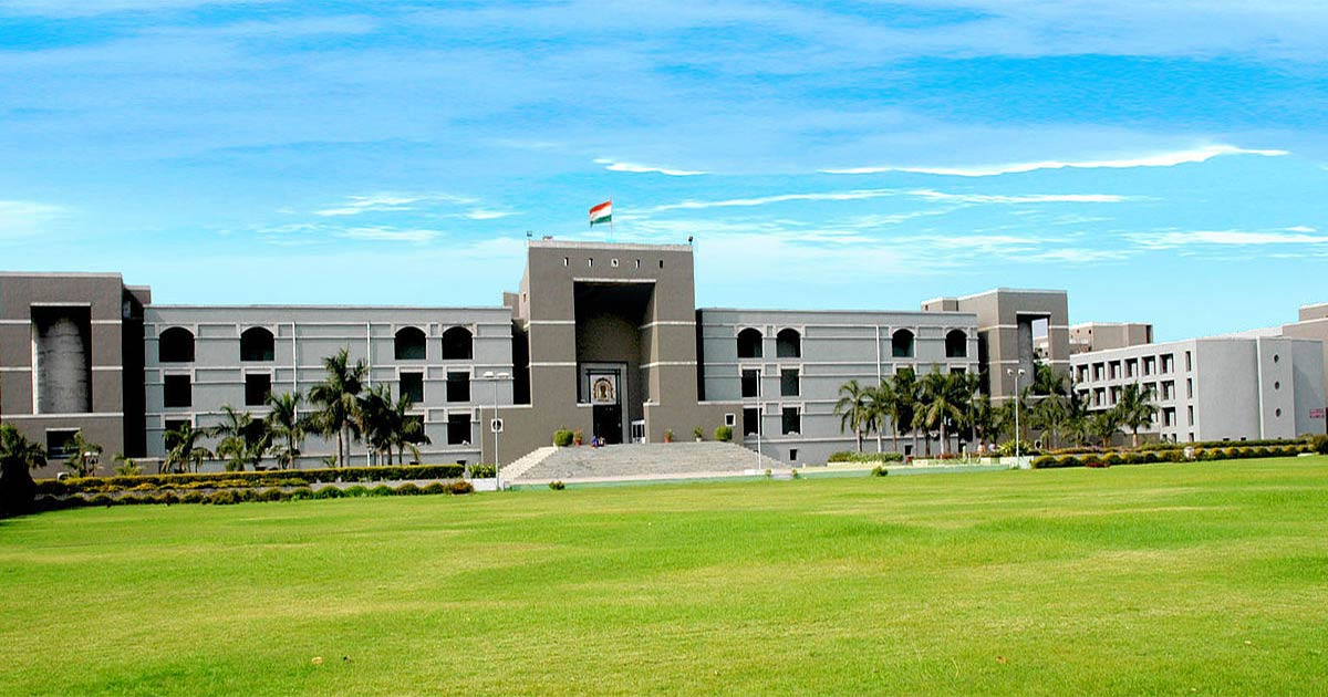 http://www.meranews.com/backend/main_imgs/Gujarat-HC_gujarat-high-court-gets-four-new-judges-yet-the-number-reac_0_gujarat-hc-amc-ahmedabad-corporation-suo-moto-current-si_0.jpg?77