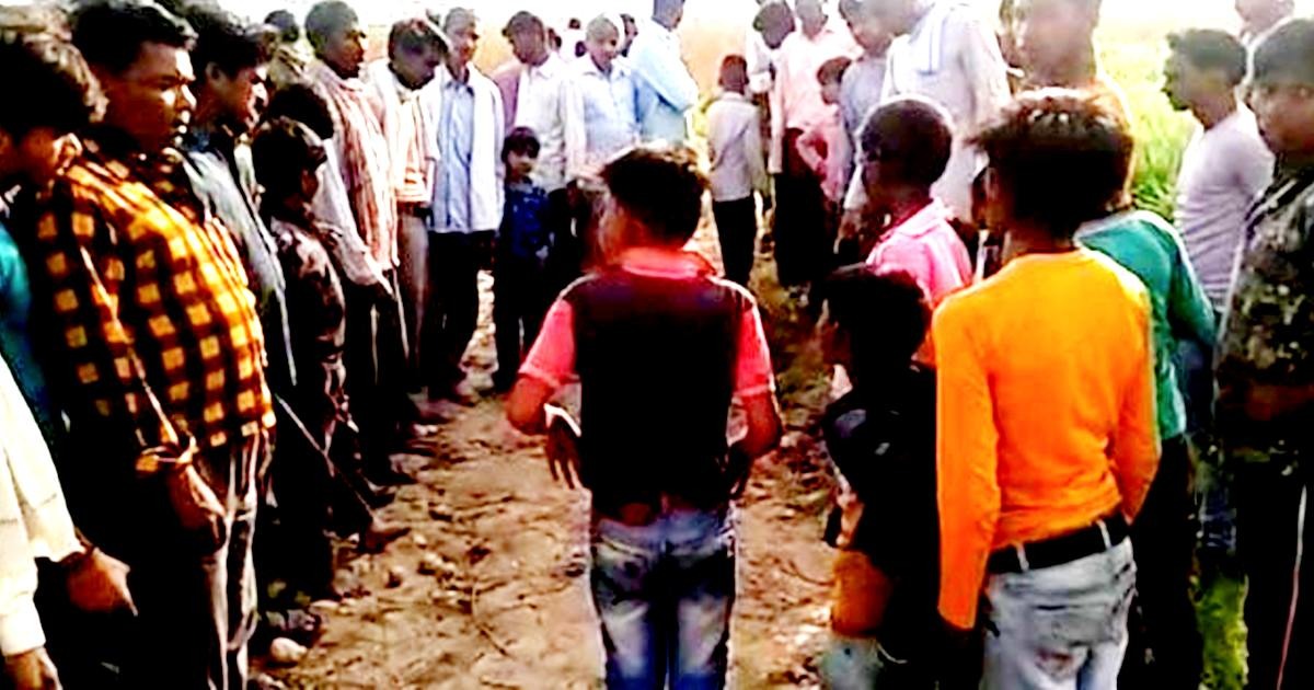 http://www.meranews.com/backend/main_imgs/Hatharaskand_up-hathras-man-out-on-bail-in-assault-case-survivors-father-dead-up-crime_0.jpg?84