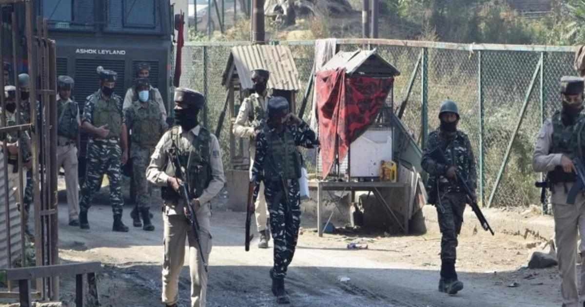 http://www.meranews.com/backend/main_imgs/INdianArmyForce_jammu-and-kashmir-army-officials-spoke-to-terrorist-after-surrender-no-problem-son_1.jpg?25