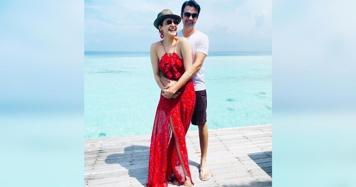 http://www.meranews.com/backend/main_imgs/KajalAggarwal_kajal-aggarwal-shares-pic-from-maldives-honeymoon-with-husband-gautam-kitchlu_0.jpg?44