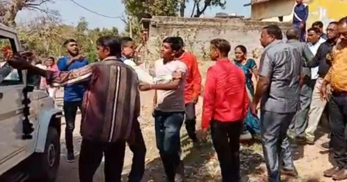 http://www.meranews.com/backend/main_imgs/Limbvillage_bayad-limb-village-casteism-casteism-in-gujarat-marriage-function_0.jpg?23