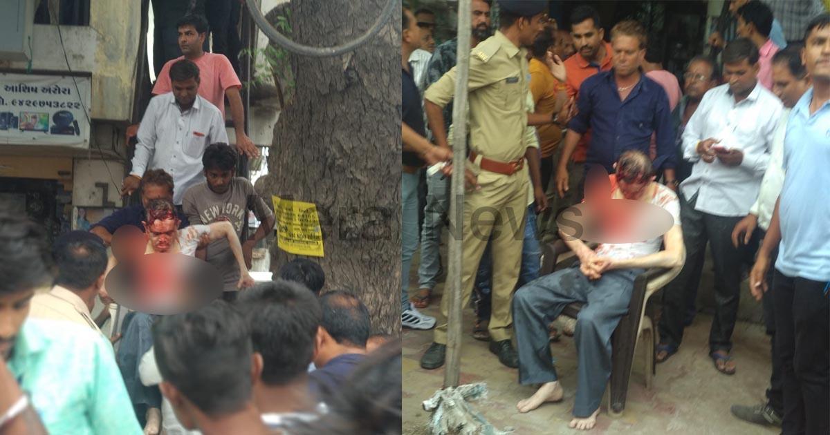 http://www.meranews.com/backend/main_imgs/Lootingujarat_loot-in-bayad-market-accuse-attacked-on-employee-of-angadia_0.jpg?28