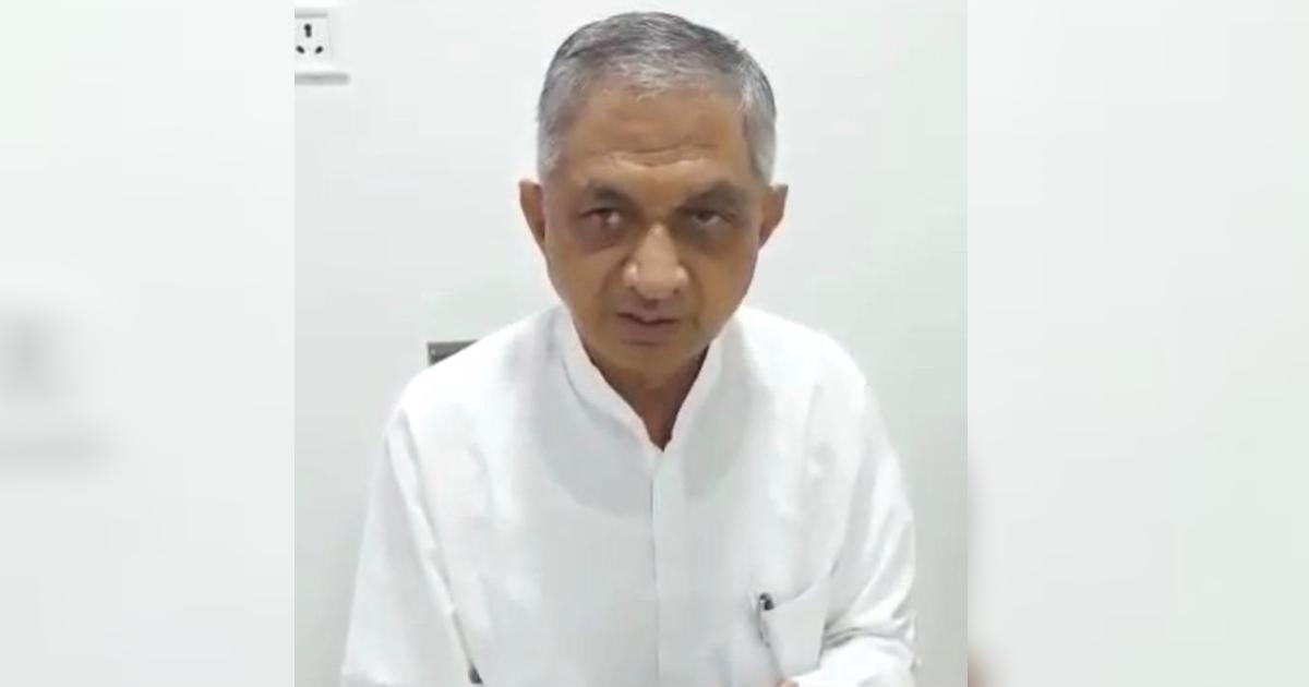 http://www.meranews.com/backend/main_imgs/MinisterBavaliya_kunwarji-bavaliya-bjp-koli-community-minister-politics-latest-news_0.jpg?67