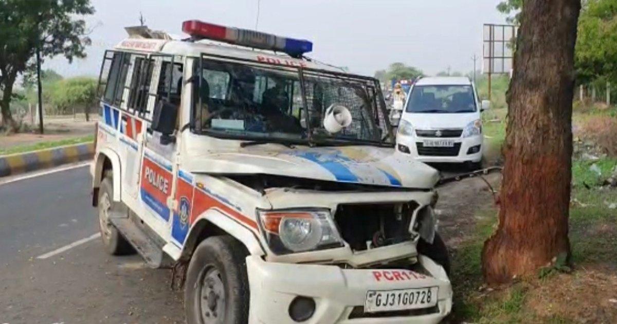 Modasa Police Van