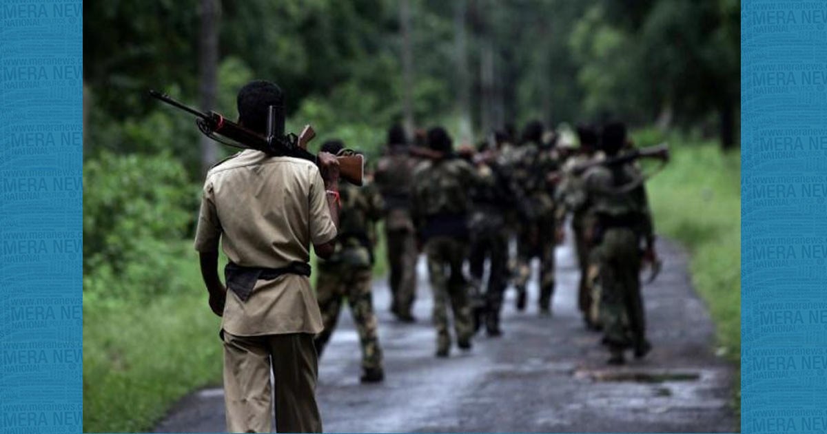 http://www.meranews.com/backend/main_imgs/Naxals_maharashtra-police-kill-13-naxals-in-encounter_0.jpg?35