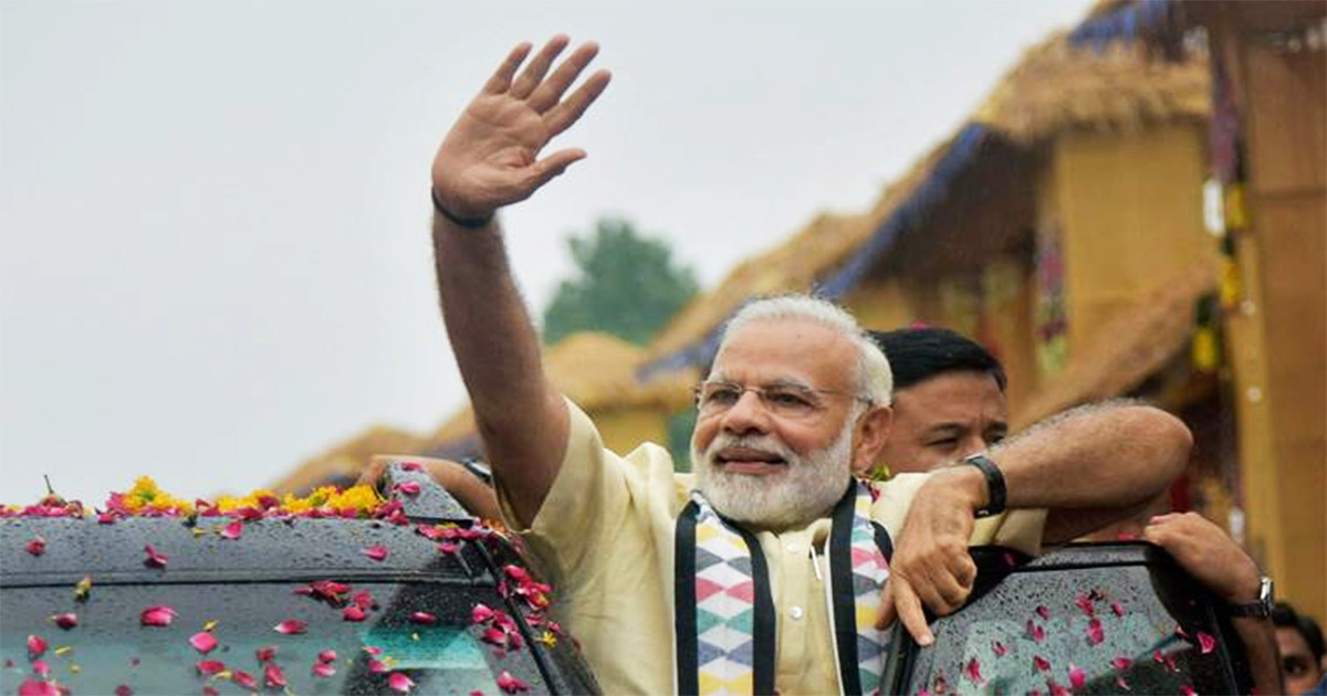 http://www.meranews.com/backend/main_imgs/PM-Modi_many-ambulance-halted-to-make-way-for-pm-modis-convoy-in-ah_0.jpg?49