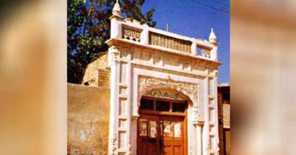 http://www.meranews.com/backend/main_imgs/PakistanGurudwara_sikhs-handed-over-200-year-old-gurdwara-after-73-years-in-pakistan_0.jpg?98