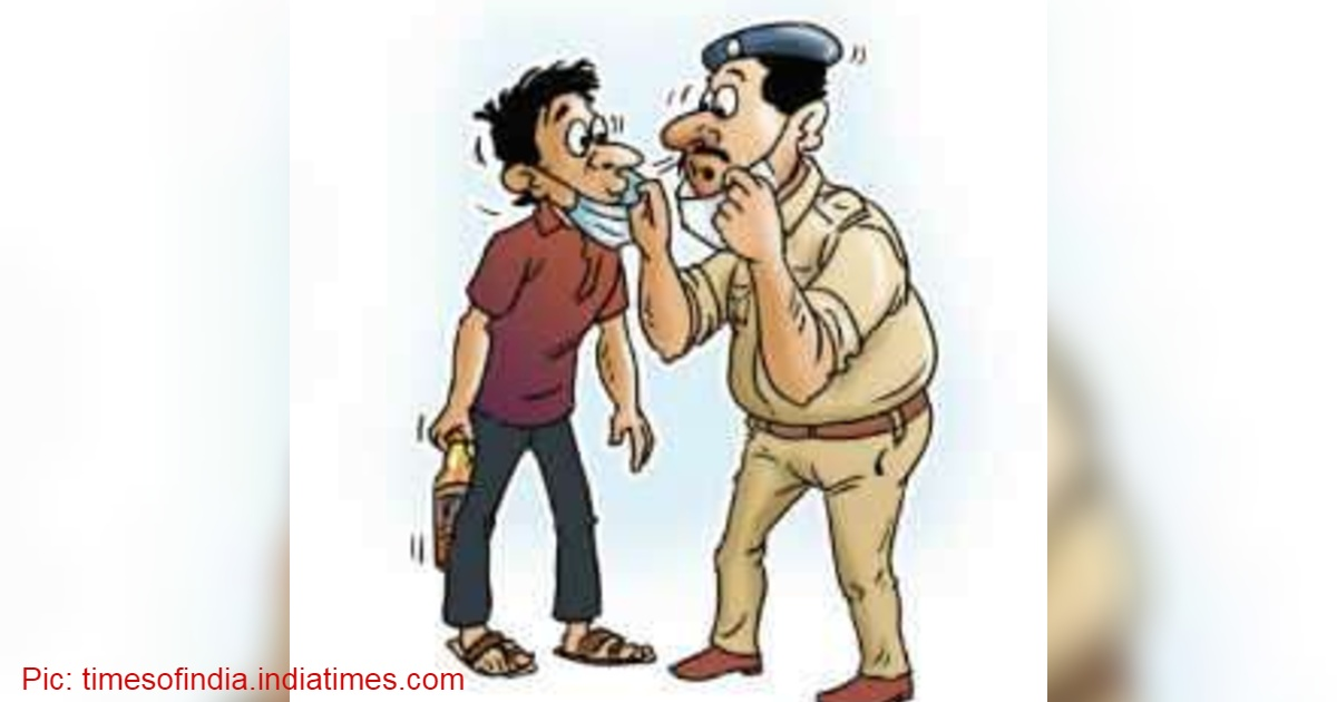 http://www.meranews.com/backend/main_imgs/PoliceLiquors_gujarat-police-liquors-check-mouth-coronavirus-policemen-gujarati-news_0.jpg?33