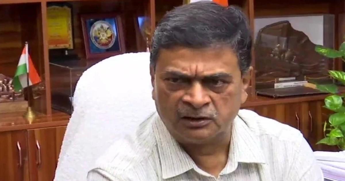 http://www.meranews.com/backend/main_imgs/RKSingh_power-minister-rk-singh-meeting-on-electricity-crisis-in-india-coal-crisis-delhi-power_0.jpg?34