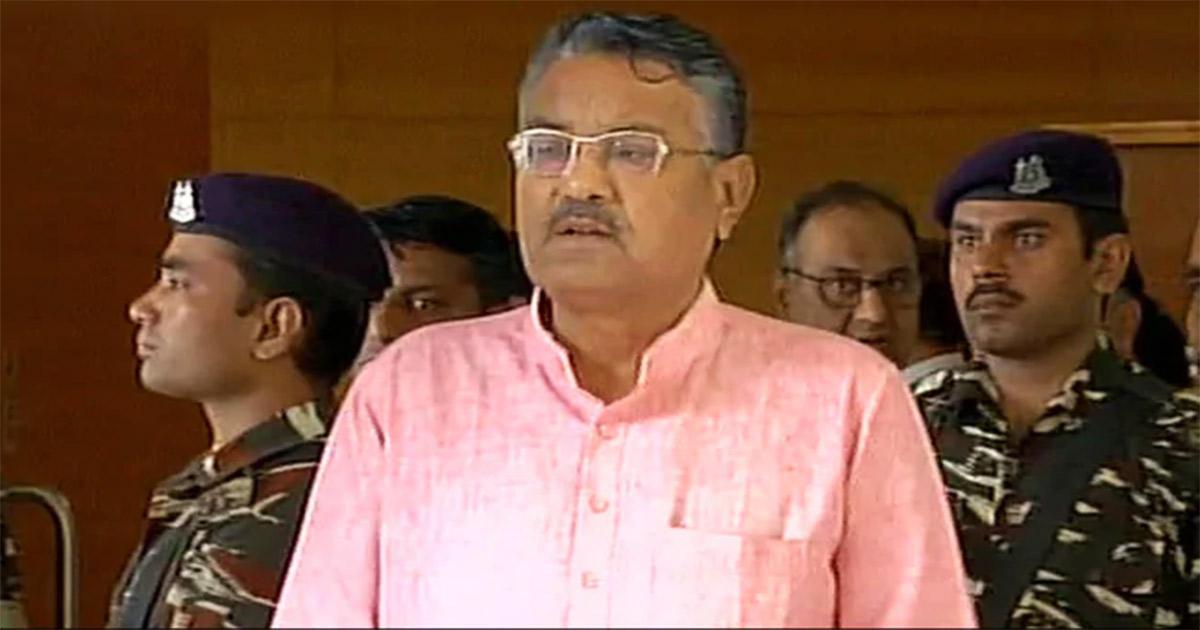 http://www.meranews.com/backend/main_imgs/Raghavji_ex-mla-raghavji-patel-will-return-in-congress_0.jpg?88