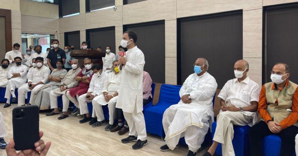 http://www.meranews.com/backend/main_imgs/RahulGandhiNews_monsoon-session-rahul-gandhi-to-host-opposition-meeting-on-breakfast_0.jpg?69