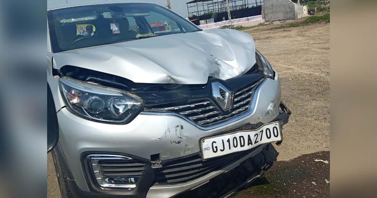 http://www.meranews.com/backend/main_imgs/RajkotAccident_rajkot-accident-between-car-and-scooter-sarpanch-of-khandh_1.jpg?73