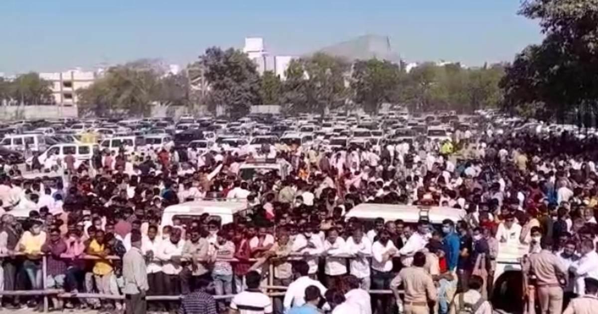 http://www.meranews.com/backend/main_imgs/RajkotElectionVideo_rajkot-local-body-election-results-win-bjp-congress-public-latest-news_0.jpg?22