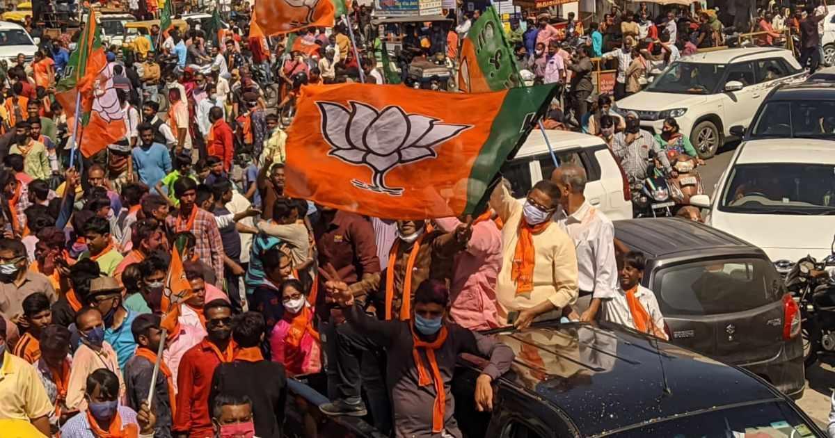 http://www.meranews.com/backend/main_imgs/RallyBJPModasa_modasa-bayad-himatnagar-local-body-election-results-bjp-congress-aimim_1.jpg?1