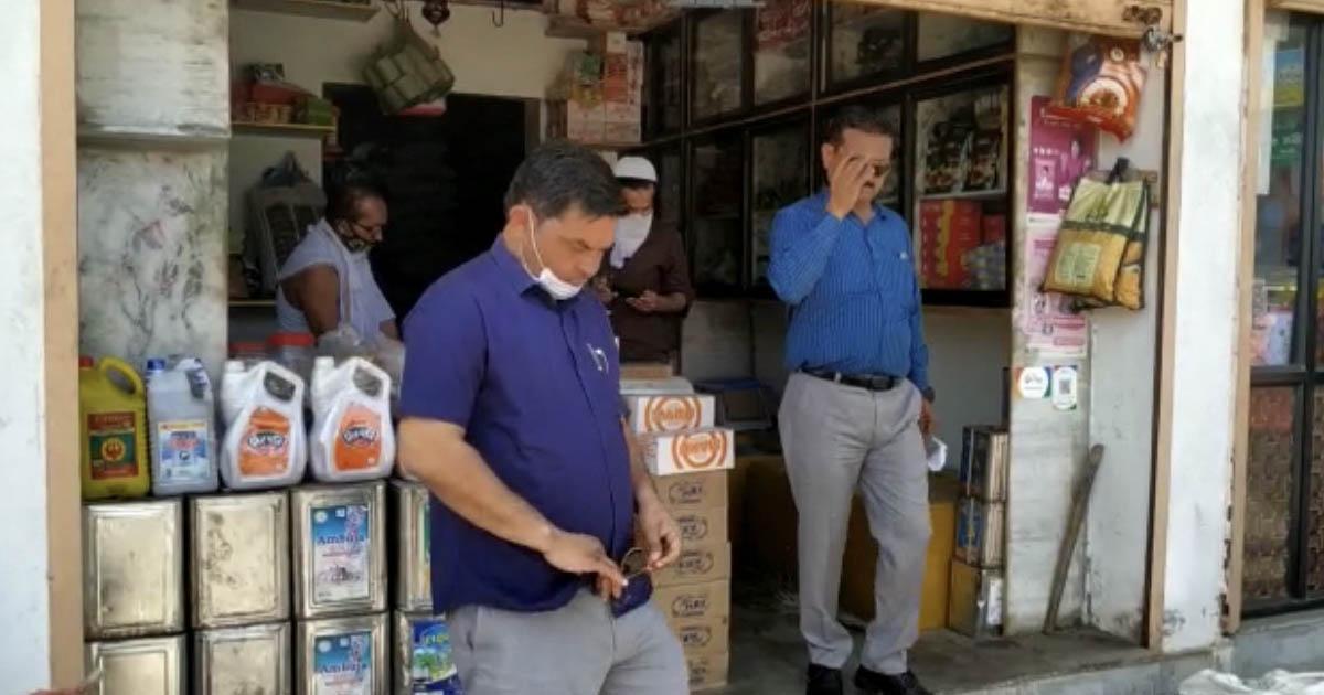 http://www.meranews.com/backend/main_imgs/STORSLOOT_modasa-market-yard-health-in-gujarat-stores-in-gujarat-st_1.jpg?68
