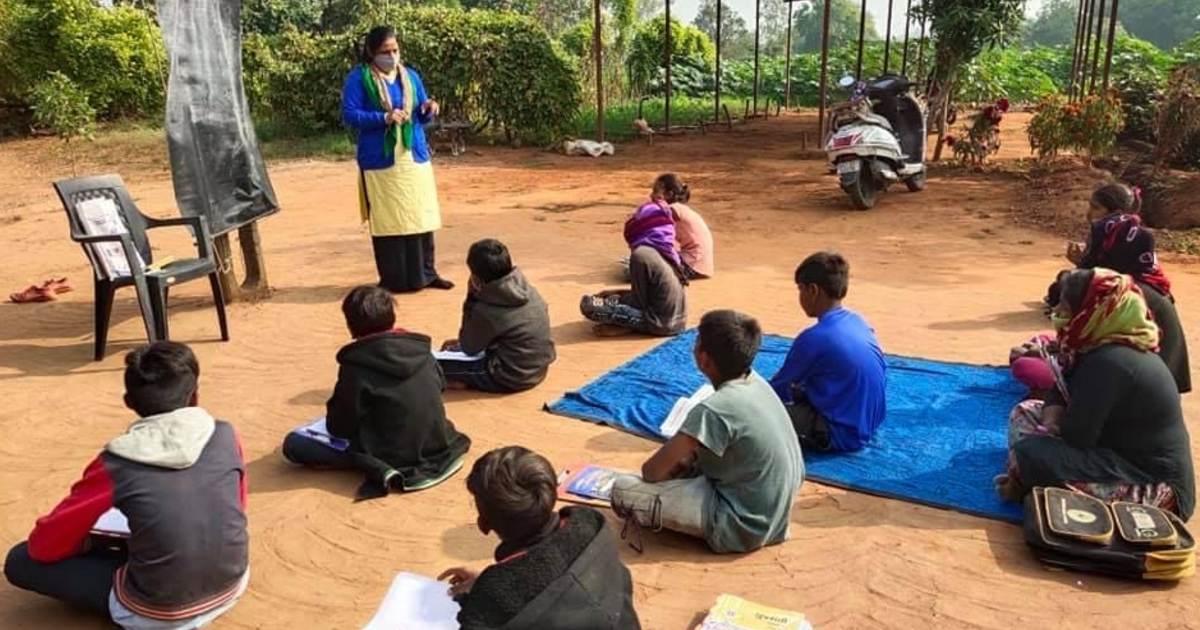 http://www.meranews.com/backend/main_imgs/SchoolModasda_modasa-school-student-street-school-education-sakariya-primary-school_4.jpg?84