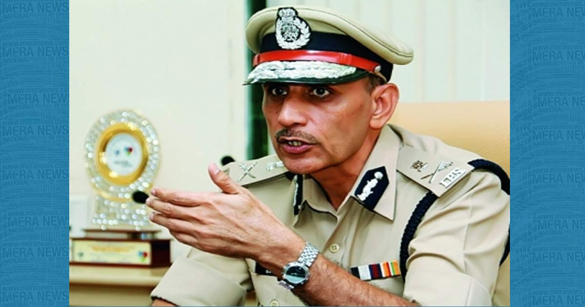 http://www.meranews.com/backend/main_imgs/Shatishsharma_surat-minor-girl-rape-with-murder-victim-not-identify_0.jpg?54?90