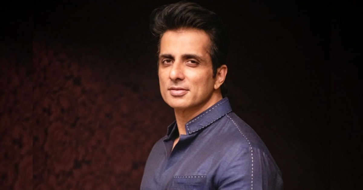 http://www.meranews.com/backend/main_imgs/SonuSoodNew_actor-sonu-sood-has-introduced-scholarships-for-less-privileged-students-education_1.jpg?61