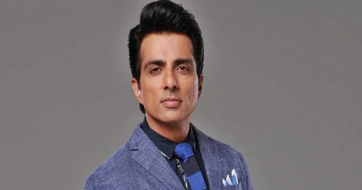 http://www.meranews.com/backend/main_imgs/SonuSoodlatest_actor-sonu-sood-has-introduced-scholarships-for-less-privileged-students-education_0.jpg?70