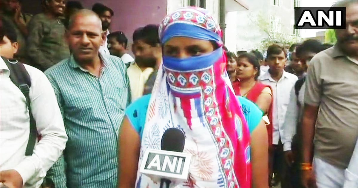 http://www.meranews.com/backend/main_imgs/UP1_unnao-rape-case-victims-sister-demands-justice_0.jpg?91