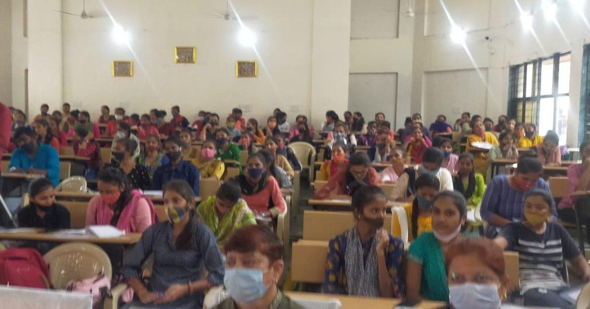 http://www.meranews.com/backend/main_imgs/WomenEmpowerment_panchmahal-govindguru-uni-law-knowledge-women-society-law-seminar-news_0.jpg?90