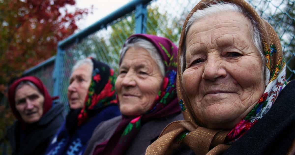 http://www.meranews.com/backend/main_imgs/Womensday_worl-of-babushkas-womans-day-woman-empower-gujarat-english_2.jpg?80