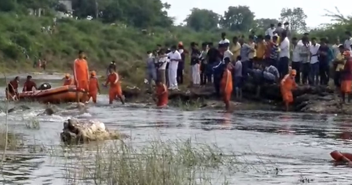 http://www.meranews.com/backend/main_imgs/a3_aravalli-sabarkantha-drowning-incidents-5-body-of-youth-d_3.jpg?42