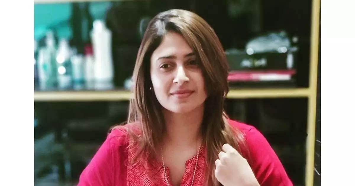 http://www.meranews.com/backend/main_imgs/aayeshasultana_lakshadweep-filmmaker-aisha-sultana-praful-khoda-patel_0.jpg?94