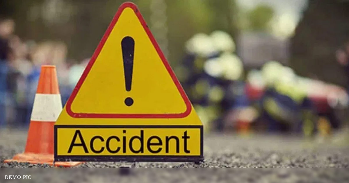 http://www.meranews.com/backend/main_imgs/accident_two-killed-in-separate-road-accidents-in-modasa_0.jpg?71