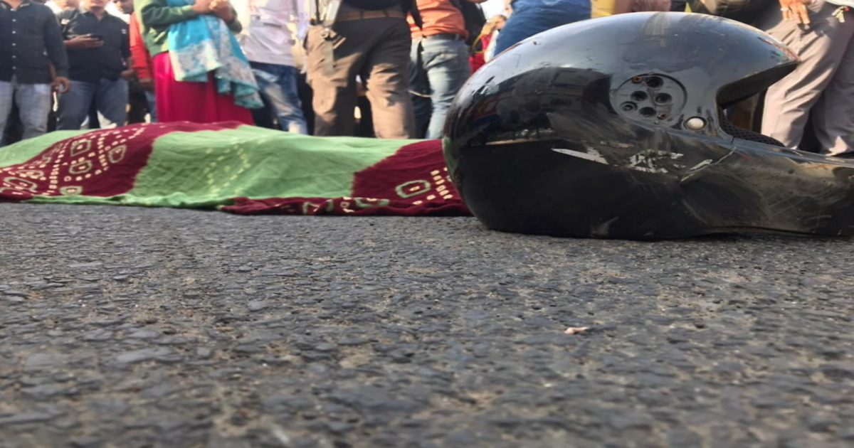 http://www.meranews.com/backend/main_imgs/ahmedabad_accident_1200x630_gujarat-ahmedabad-panjrapol-brts-bus-accident-2-brother-dead_0.jpg?74