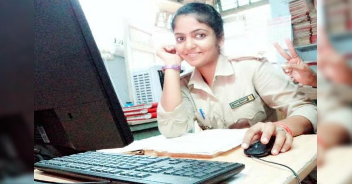 http://www.meranews.com/backend/main_imgs/ahmedabadpolice_ahmedabad-woman-police-constable-commits-suicide-in-bathroo_0.jpg?60