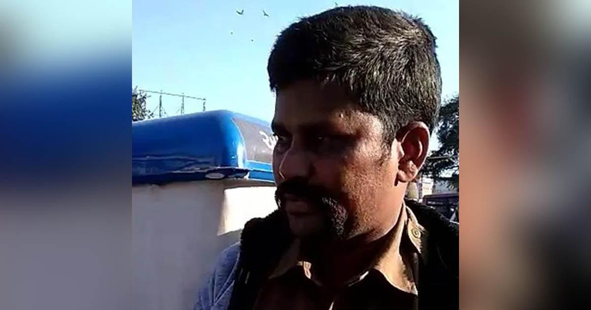 http://www.meranews.com/backend/main_imgs/ahmedabadpoliceviralvideo_ahmedabad-police-constable-social-media-drawback-ahmedab_0.jpg?28